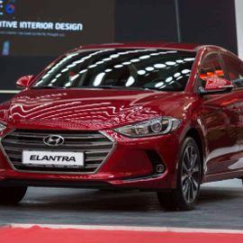 New & Stunning: Hyundai Elantra