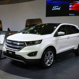 Inside The 2018 Ford Edge